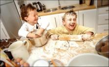 Cozinha bagunça com crianças 20 minutos pra tudo